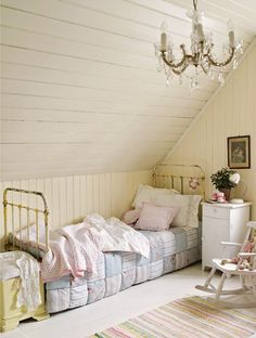 Love the quilt on the bed