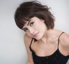 Beleza Imediata: O visual sessentinha moderno de Maria Casadevall