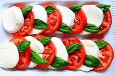 Caprese Salad - alternate fresh mozzarella with tomato and basil, drizzle with olive oil, some great balsamic vinegar, kosher salt and cracked black pepper. Salade Caprese, Tomate Mozzarella, Main Dish Salads, Cooking Recipes, Healthy Recipes, Cooking Tips, Tomato Salad, Italian Recipes, Salad Recipes