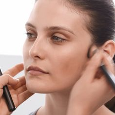 Runway inspired contouring.  Burberry Artistic Make-up Consultant @WendyRowe applies the Face Contour pen around the eyes, nose and cheeks, before blending to create a natural looking shadow that contours and shapes the face. Follow the link in bio to see the full Effortless Contouring and Strobing tutorial