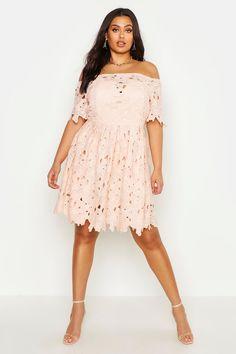 Plus Size Dresses, Plus Size Outfits, Nice Dresses, Beautiful Dresses, Pink Dress, Lace Dress, Big Size Dress, Curvy Dress, Bodycon Fashion