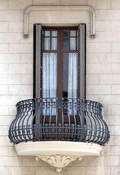 Mare de Déu de Montserrat 004 c Iron Balcony, Railing Design, Wrought Iron Design, Exterior Design, Window Design, Home Design Plans, Bungalow House Design, Stair Railing Design, Balcony Design