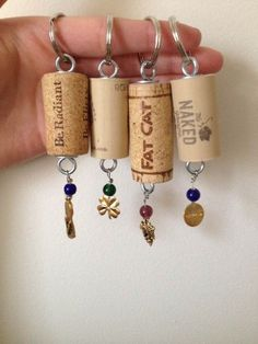 Ne jetez plus les bouchons de vins, on vous propose dans cet article des idées originales pour transformer les bouchons de vin:
