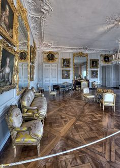 Grand cabinet de Madame Victoire, Palace of Versailles - France Chateau Versailles, Palace Of Versailles, Palace Interior, Interior Exterior, Marie Antoinette, Grand Parc, Beautiful Interiors, French Interiors, French Architecture