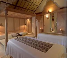 Bali Luxury Resort Photo Album and Hotel Images - Amankila - picture tour/spa suite
