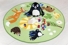 Vallila & Mimmit collection: Piirileikki, green rug. Design Meri Mort & Vallila Design Studio