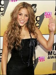 Google Image Result for http://www.prohaircut.com/gallery/Shakira_66435.jpg