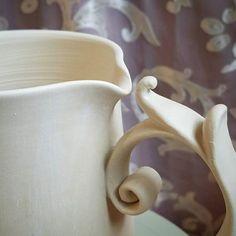 New handle making video going up late this week! Keep your eyes peeled :D  #kaitlynceramics #kaiceramics #kai #kaitlynchipps #mudfire #madeatmudfire #handmade #handmadepots #handmadeceramics #mug #porcelainmug #porcelain #youtube #potterywip #wip #throwing #elegant #eleganthandle #elegantmug