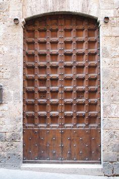 Lattice door, Tuscany