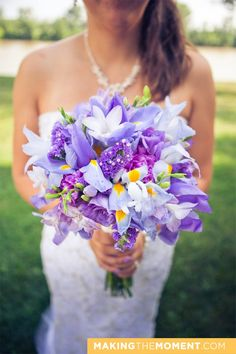 iris bouquet. I could see doing this with my 3 favoret flowers, iris's Lillys   and lilac