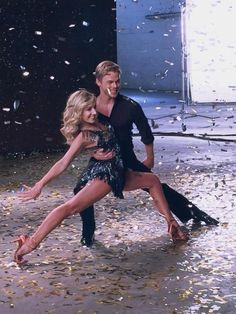 Team name?? Undecided...  Who cares They've got my vote!@NastiaLiukin @derekhough #dwts #teamnastia
