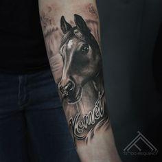 Freshly done, black and gray horse portrait. - Freshly done, black and gray horse portrait. Nature Tattoos, Body Art Tattoos, Sleeve Tattoos, Trendy Tattoos, Small Tattoos, Tattoos For Guys, Make Tattoo, Memorial Tattoos, Horse Portrait