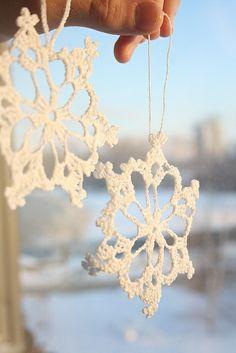 Ravelry: Free Crochet Snowflake pattern by Patons