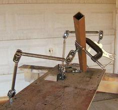 Afbeeldingsresultaat voor clamping tools welding table