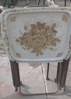 Vintage 4 Metal TV Trays Stand Dinner/Serving, Distressed, Retro, Floral Design #NoBrand