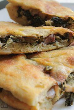 Learn to Make Italian Food Focaccia Pizza, Flatbread Pizza, Calzone, Pizza Rustica, Sicilian Recipes, Food Obsession, Italian Dishes, Italian Menu, Empanadas
