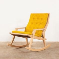 One of our favorites to make - the Haverhill Rocker. It's made-to-order  so it might take a little while to get delivered, but we're sure you'll love it forever. ☀️ #monroeworkshop