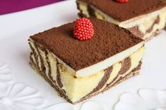 Zebra Cake with Custard Recipe - You can serve this zebra cake as a dessert. Zebra cake recipe with step by step pictures, so you can easily make it. Oreo Cake Recipes, Strawberry Cake Recipes, Easy Cake Recipes, No Bake Biscuit Cake, No Bake Cake, Raspberry Coffee Cakes, Lemon Bundt Cake, Nutella Cake, Chocolate Chip Cheesecake