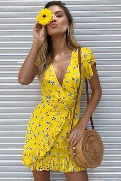 New beautiful V neck yellow summer floral ruffle mini wrap dress short sleeve - Spring & summer outfits - Wrap Dress Outfit, Wrap Dress Floral, Boho Dress, Yellow Floral Dress, Yellow Dress Outfits, Dress Shoes, Shoes Heels, Flower Dresses, Cute Dresses