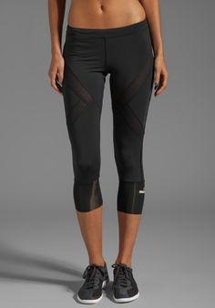 ADIDAS BY STELLA MCCARTNEY  ( 3/4 Tight Legging )