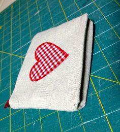 diy heart zippered pouch, diy Valentine's Day goody bag,  heart goody bag