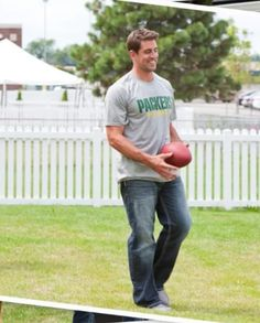 Aaron Rodgers Green Bay Packers #Packers #Cheeseheads #GreenBay [Follow WisconsinHouses for more local pins]