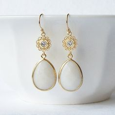 White Crystal Drop Earrings by PeriniDesigns on Etsy