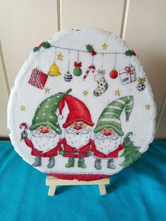 Log slice about 18 cm decorated with Christmas gnomes. Log Slices, Christmas Gnome, Gnomes, Pot Holders, Decoupage, Decor, Decoration, Hot Pads, Potholders