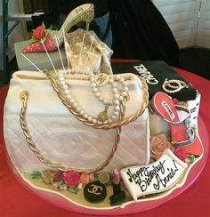 Chanel Shopper Fabulous display for Bernardo Puccio party where designer apparel was the theme. Everything edible but the shoes. Cory and Team Rosebud Chanel Cake, Coco Chanel, Rosebud Cakes, Chanel Baby Shower, Chanel Runway, Candy Apples, Birthday Cake, Birthday Ideas