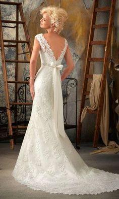 lace wedding dress…love the V-back!