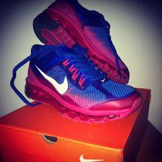 My new nike shoes!! Elena F.