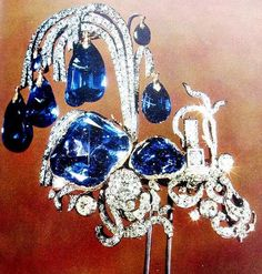 THE ROMANOVS JEWELS ~ The hairbob as 'THE FOUNTAIN', of Elizabeth I, the 18th century, set up with earrings on the previous pin. Diamonds, sapphires. After Elizabeth's death it belong to Catherine The Great