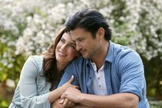 """Jessica Lowndes and Wes Brown star in """"Over the Moon in Love"""" a new, original movie premiering Saturday, September 21 on Hallmark Channel as part of """"Fall Harvest"""". Wes Brown, Jill Wagner, Jessica Lowndes, Kelly Rowland, Hallmark Channel, The Good Witch Cast, Movies 2019, New Movies, Comedy Movies"""