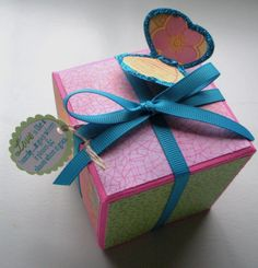 Origami Square Gift Box, sides fold Ito the top