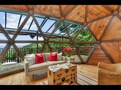 Купольные дома: 64 иллюстрации нового течения в архитектуре - YouTube
