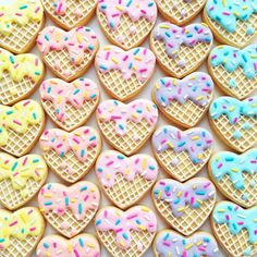 Vanilla bean sugar cookies decorated with lemon … Pastel ice cream heart cookies! Vanilla bean sugar cookies decorated with lemon royal icing. Sugar Cookie Royal Icing, Iced Sugar Cookies, Ice Cream Cookies, Fancy Cookies, Heart Cookies, Royal Icing Decorated Cookies, Heart Cookie Cutter, Royal Icing Decorations, Valentines Day Cookies