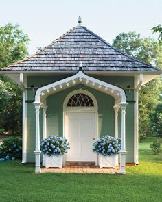 Veranda Magazine - Traditional Style - She Sheds - Backyard Ideas - Studio Space