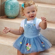 Tulle dungaree dress for baby girl, made of classic denim. Fashion Kids, Toddler Outfits, Kids Outfits, Baby Harem Pants, Dungaree Dress, Pregnant Celebrities, Kids Frocks, Dresses Kids Girl, Kid Styles