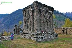 Its a 2000 years old Temple Sharada, Kashmir Pakistan....www.gopakistan.no