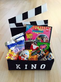 Birthday gift ideas mom: cinema voucher in a box as a gift . - Birthday gift ideas mom: cinema voucher in a box as a gift theater gift m - Diy Birthday, Birthday Presents, Happy Birthday, 17th Birthday, Diy Gifts, Diy And Crafts, Recycled Crafts, Birthdays, Christmas Gifts