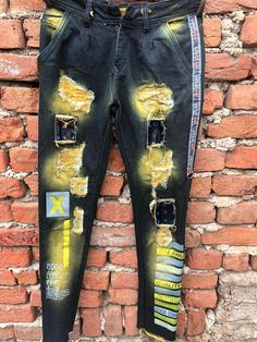 Stylish Jeans For Men, Skinny Jeans, Denim, T Shirt, Clothes, Fashion, Men's Fashion Styles, Men Styles, Supreme T Shirt