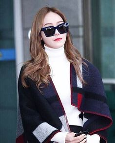 直擊 Jessica 要來台灣了 這次 #Jessica #鄭秀妍 力挺迪奧全新上市的癮誘超模漆光唇釉她嘴上擦的正是#744派對(Party Red)炫麗飽滿的時髦色 @diormakeup  via VOGUE TAIWAN MAGAZINE OFFICIAL INSTAGRAM - Fashion Campaigns  Haute Couture  Advertising  Editorial Photography  Magazine Cover Designs  Supermodels  Runway Models