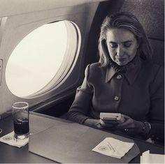 Hillary Clinton jouant à la Game Boy, 1993.