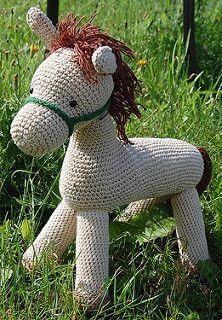 Ravelry: Perfect Pony pattern by Jennifer Down Under All Free Crochet, Love Crochet, Diy Crochet, Crochet Crafts, Crochet Projects, Crochet Ideas, Crochet Horse, Crochet Animals, Crochet Toys Patterns