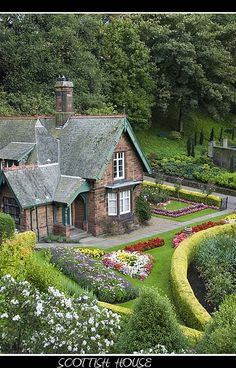 Do you have to live in a cottage to have a cottage garden? Well, let's define just what exactly constitutes a cottage garden. This article will get you thinking: landscaping. - My Cottage Garden Garden Cottage, Cozy Cottage, Cottage Living, Cottage Homes, Cottage Style, Home And Garden, Brick Cottage, Dream Garden, Beautiful Homes