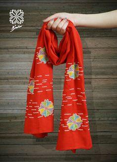 Palestinian embroidery - saru red scarf - stitch symbolizes flags from Jerusalem Area - Palestine التطريز يمثل رايات أو بنادر - من القدس - فلسطين