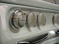 Wedgewood Double Ovens 6 Burners White Porcelain & Chrome Stove Double Ovens, Vintage Stoves, Cooking Timer, White Porcelain, Chrome, Vintage Stove