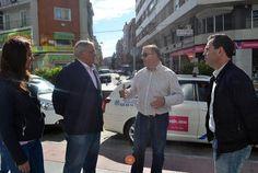 Corrochano se reúne con los taxistas de la ciudad y se compromete a estudiar la posibilidad de colocar las marquesinas que demandan - 45600mgzn
