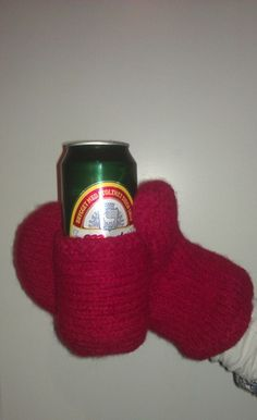 Beer mittens! Pure genius. As a Michigan girl, I totally respect this.