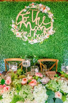 We absolutely loved designing this botanical wedding and bringing joy to the bride and groom through stunning floral decor.  📍: Grand Old House, Grand Cayman 📸: Rebecca Davidson Photography 👩‍🎨 & 💐: Celebrations Ltd  #caymanweddings